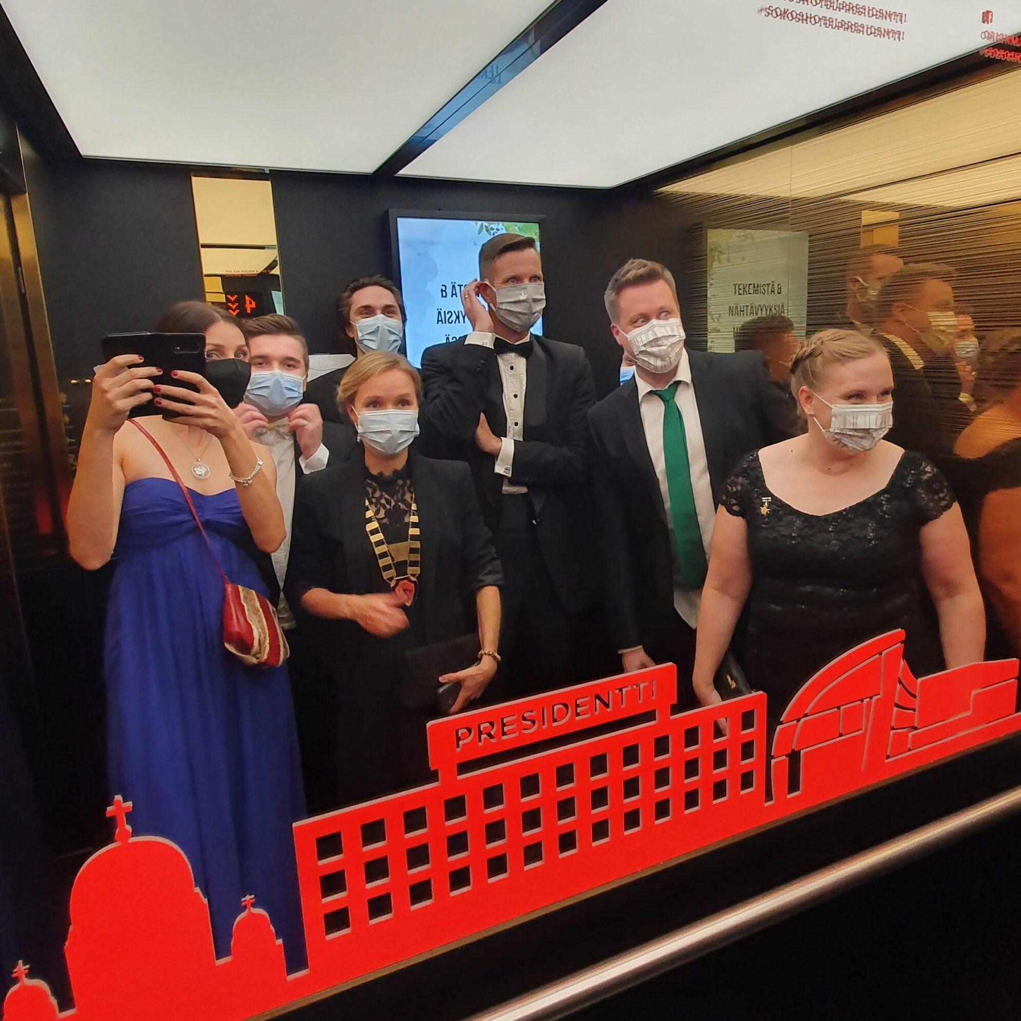 JSNKK 2020 kansallisessa vaalikokouksessa maskit päällä